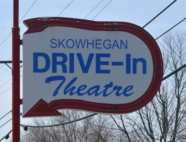Skowhegan Drive In Theatre Owner Deciding Whether To Reopen This Season Due To Pandemic Centralmaine Com