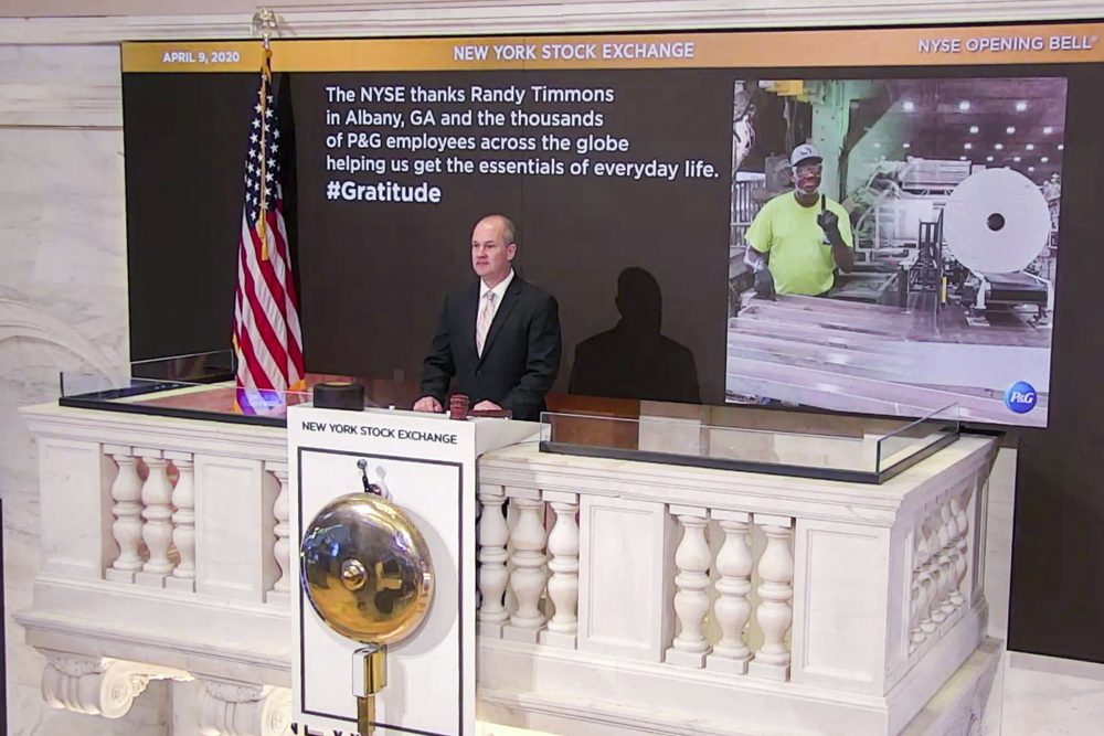 New York Stock Exchange Chief Security Officer Kevin Fitzgibbons rings the opening bell on Thursday, while recognizing Randy Timmons in Albany, Ga., and thousands of employees of the Proctor & Gamble Company.