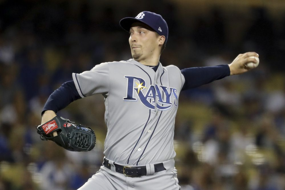 Rays' Snell blasts proposed pay cuts: 'I'm risking my life'