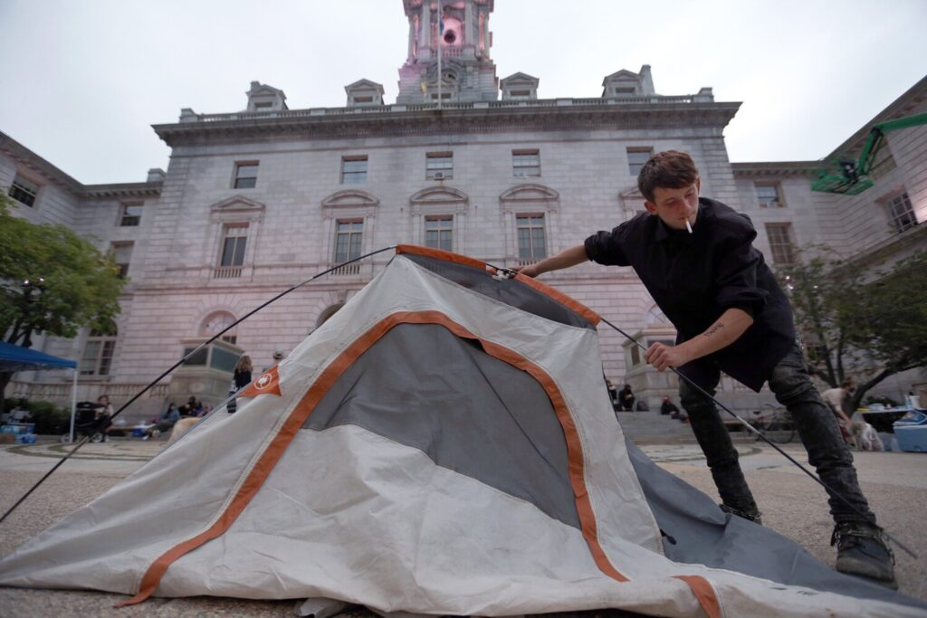 Portland still searching for emergency homeless shelter beds as winter nears