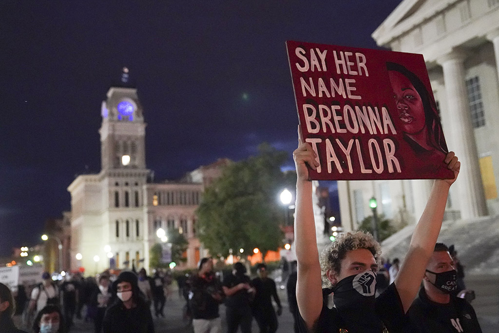 In Despair Protesters Take To Streets Of Louisville For Breonna Taylor Portland Press Herald
