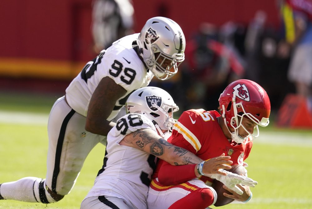Raiders_Chiefs_Football_97348