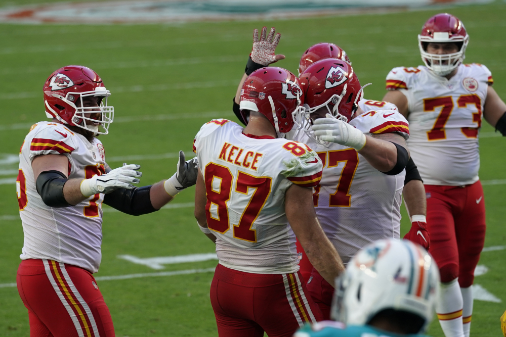 Chiefs_Dolphins_Football_44201