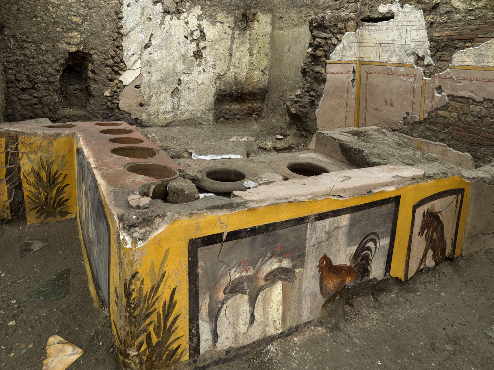 Well preserved 'fast food' bar unearthed in Pompeii