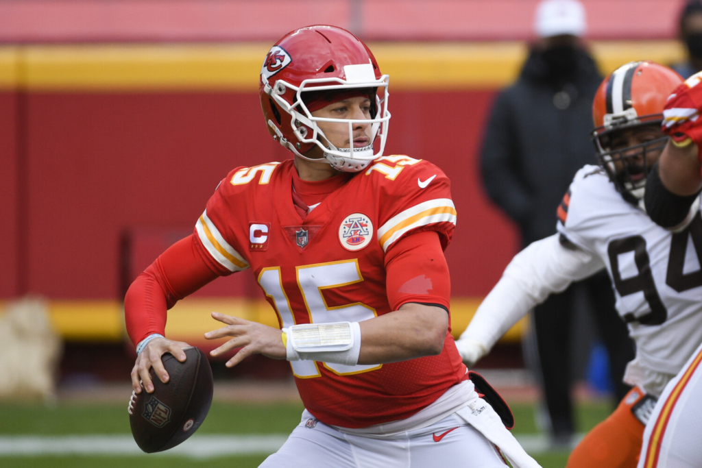 NFL notebook: Chiefs QB Mahomes cleared to play in AFC title game