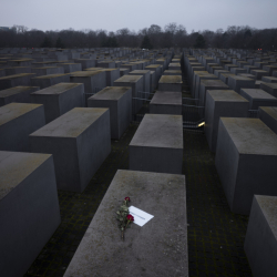 APTOPIX_Germany_Holocaust_Remebrance_32758