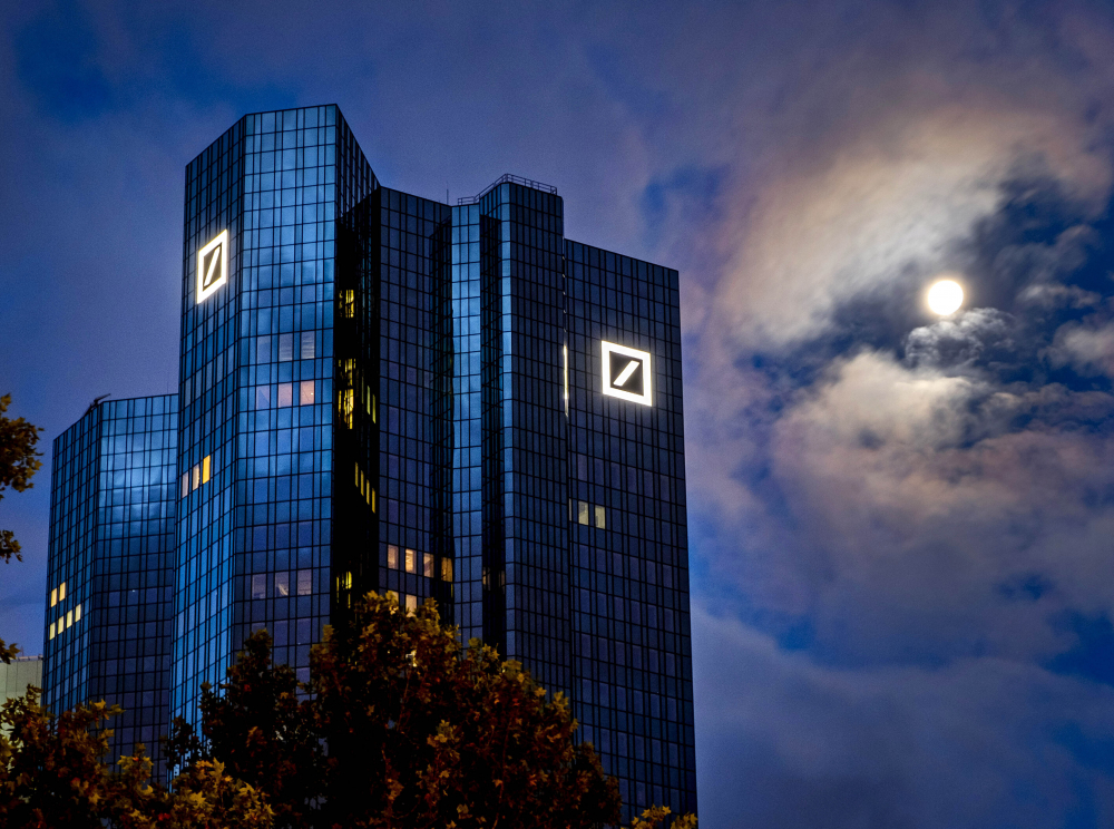 Deutsche Bank to Pay 0 Million to Avoid Bribery Charge