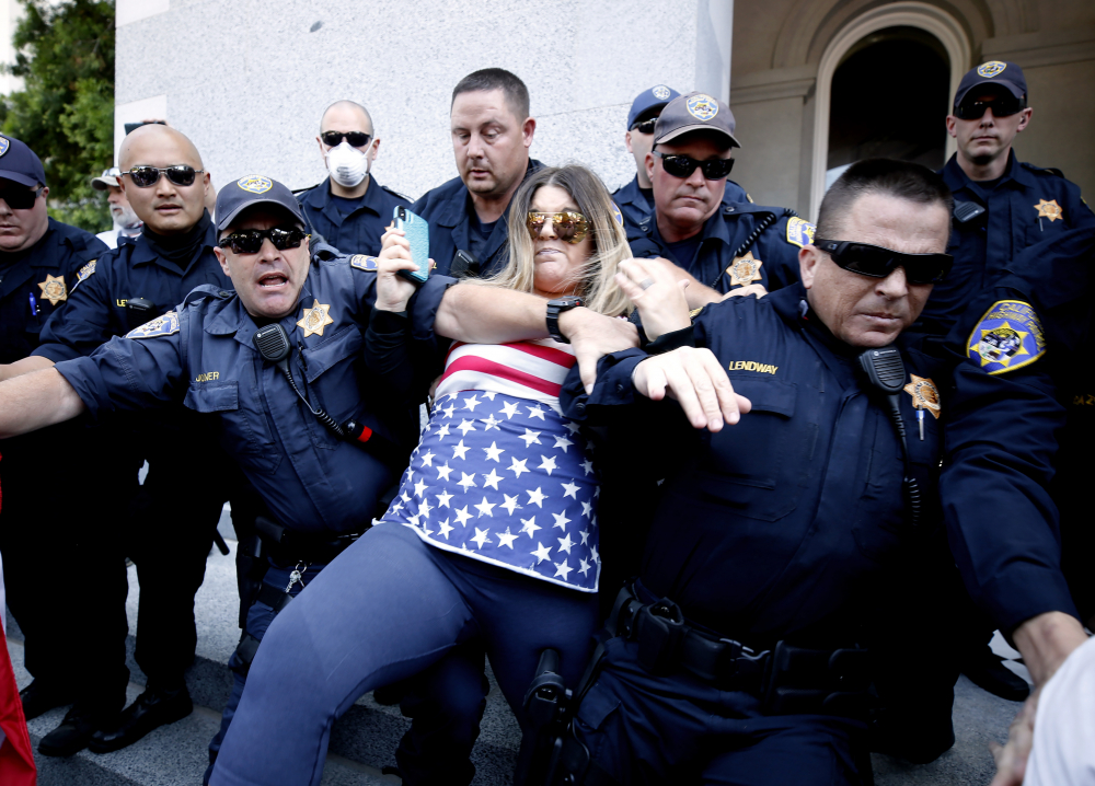 US_Capitols_Armed_Protests_68147