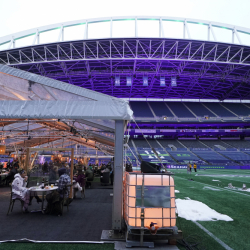Stadium_Outdoor_Dining_31903
