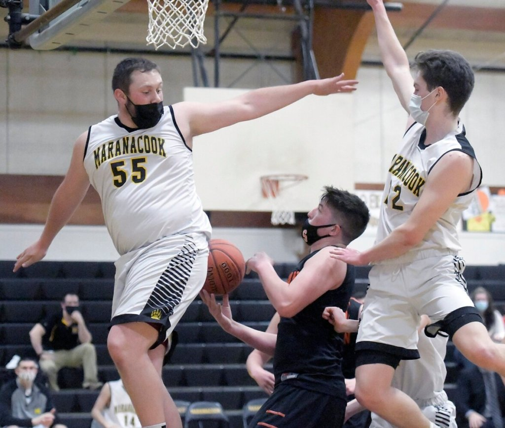 Boys basketball: Maranacook finishes perfect season by beating Skowhegan in A/B central Maine final
