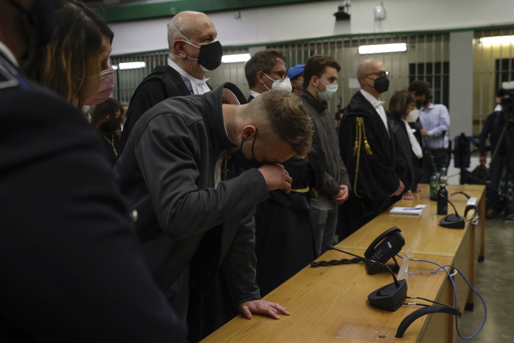 Italy_Police_Slaying_Trial_80095