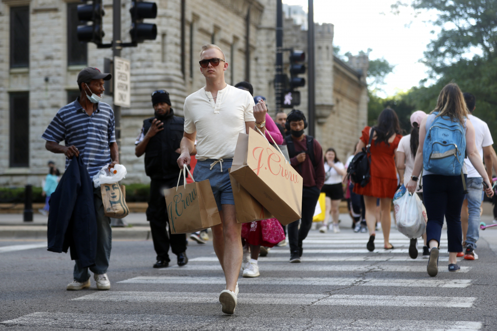 Shoppers_Return_to_stores_47306