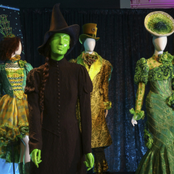 Showstoppers! Spectacular Costumes from Stage and Screen