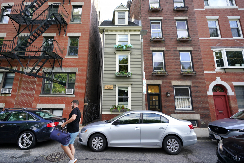 """Boston's famous Skinny House was sold Thursday for $1.25 million, according to Zillow. The home """"received multiple offers and went under agreement for over list price in less than one week,"""" real estate agency CL Properties posted on Facebook."""