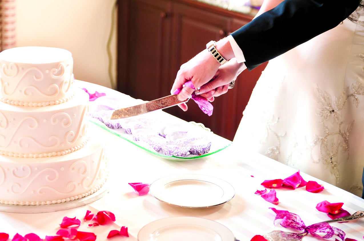 Follow these tips when planning your wedding cake - Lewiston Sun Journal