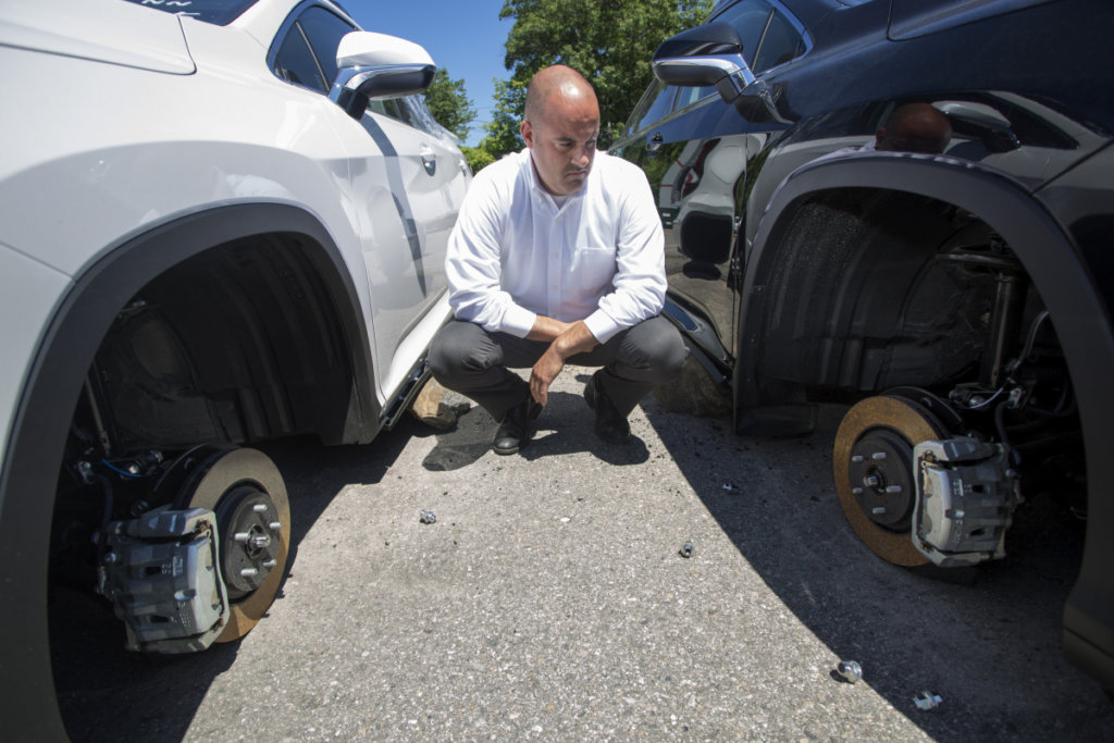 Prime Honda Saco >> Thieves steal high-priced wheels from 2 car dealerships ...