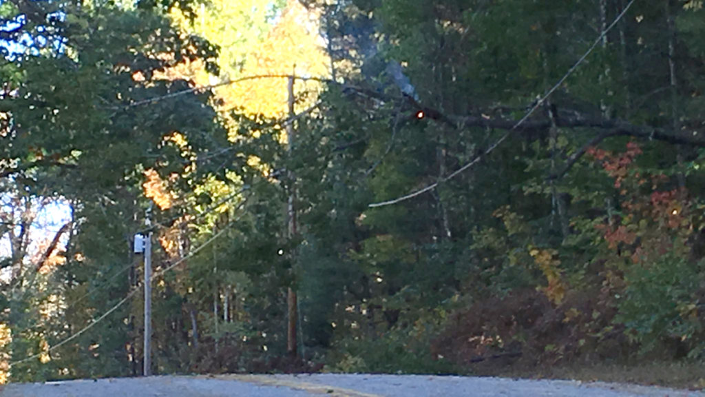 Strong winds knock out power to more than 60,000 Mainers ...