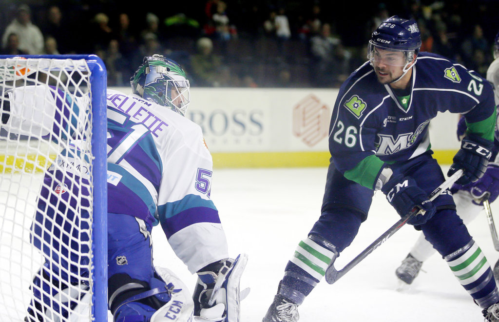 ECHL: Pro Hockey - Shawn St. Amant's Hat Trick Leads Mariners Over Solar Bears