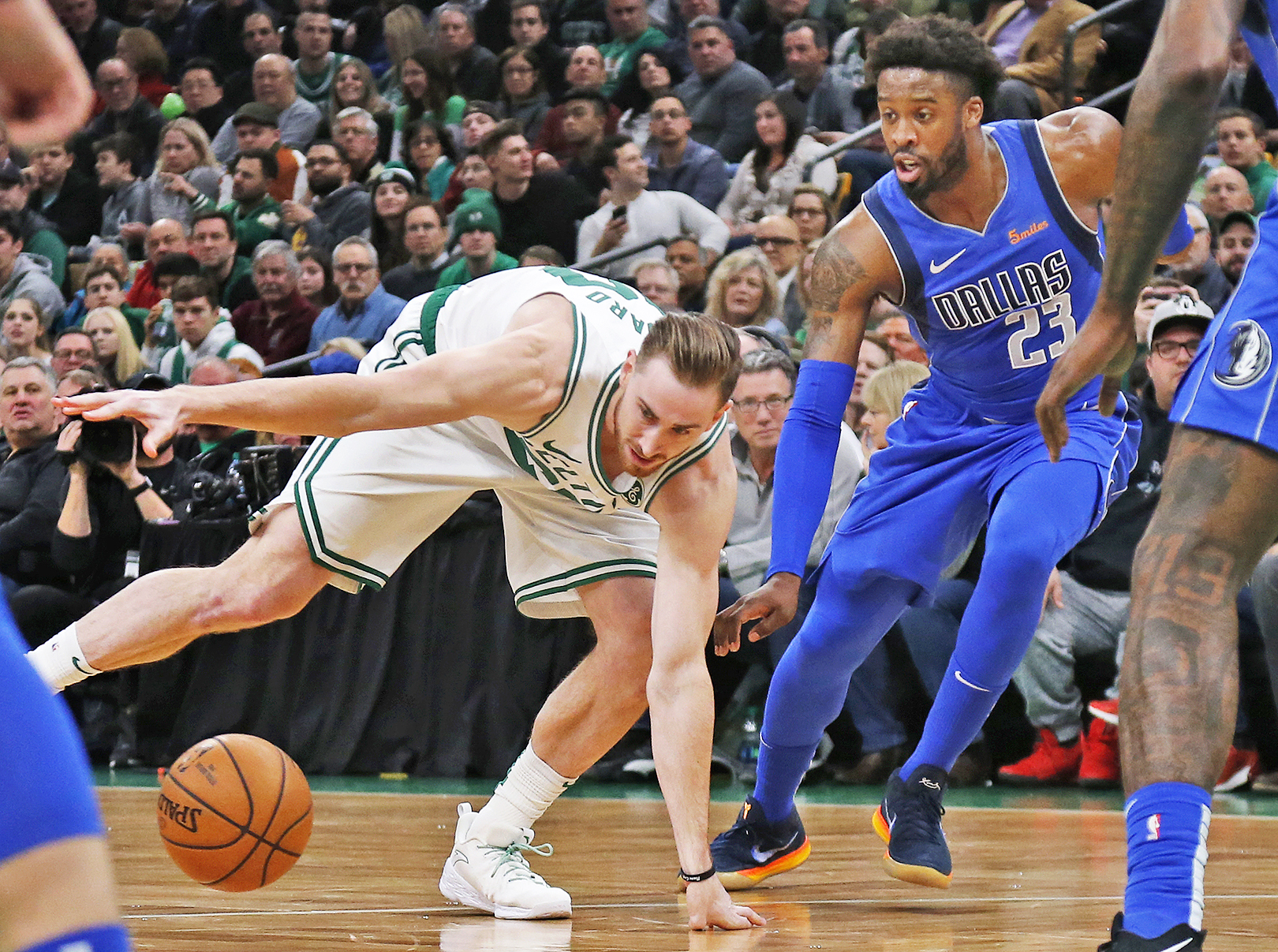 f3a48aac4 Gordon Hayward notches double-double as Celtics beat Mavs