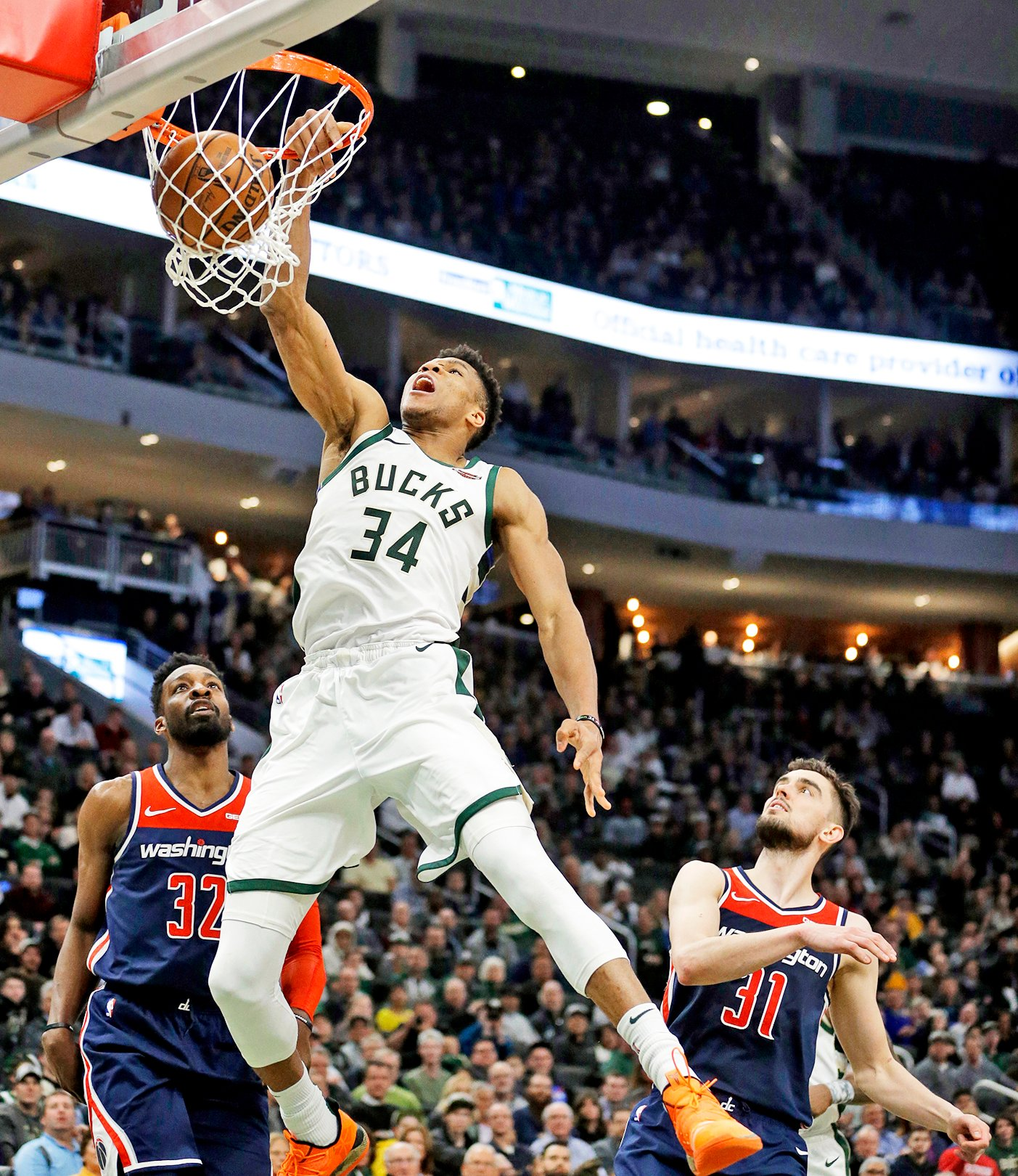 Lebron Giannis Choose Their Teams For The All Star Game Lewiston Sun Journal