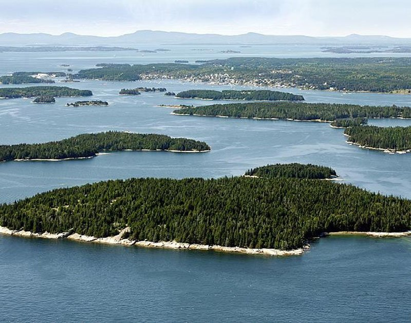 Spruce Island, located off the coast of Stonington, is being offered as a place of reprieve for veterans and the families of deceased soldiers.