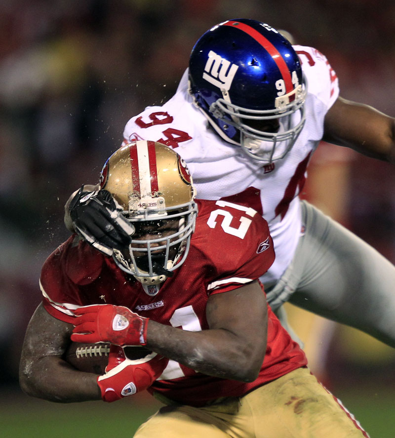 READY TO GO: New York Giants linebacker Mathias Kiwanuka (94) returns home to Indianapolis when the Giants fact he Patriots in the Super Bowl. Kiwanuka was out with a broken leg when the Giants beat the Pats in the Super Bowl in February 2008.
