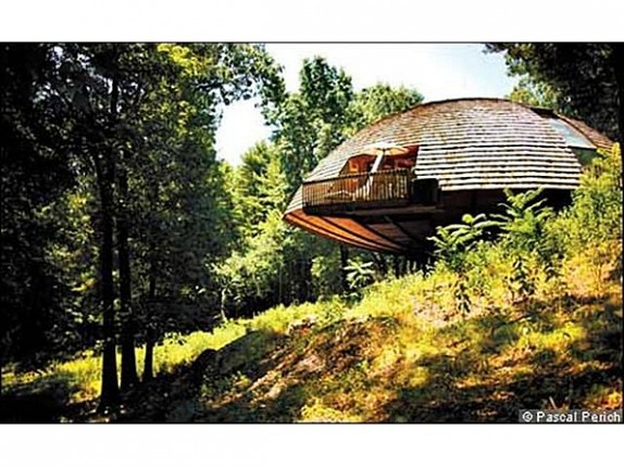 This dome home in New York was built on an axle that allows it to be rotated to maximize its use of solar energy.