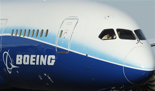 A Boeing 787 Dreamliner taxis on the tarmac at Phoenix Sky Harbor Airport last Friday.