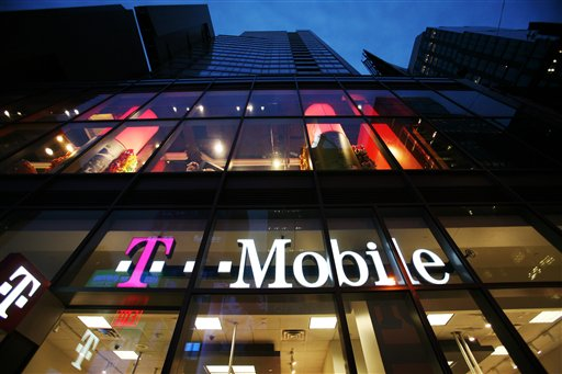 Figures from T-Mobile USA today add to earlier reports indicating that the U.S. wireless industry lost subscribers from contract-based plans for the first time in the first quarter.
