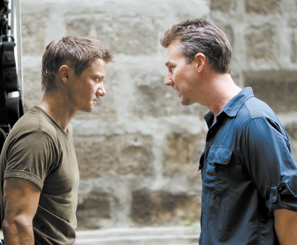 "Jeremy Renner, left, and Edward Norton star in ""The Bourne Legacy."" (Mary Cybulski/Universal/MCT) 01000000 ACE krtentertainment entertainment krtnational national krtedonly mct 01005000 cinema ENT krtarts art krtmovie movie film 2012 krt2012"