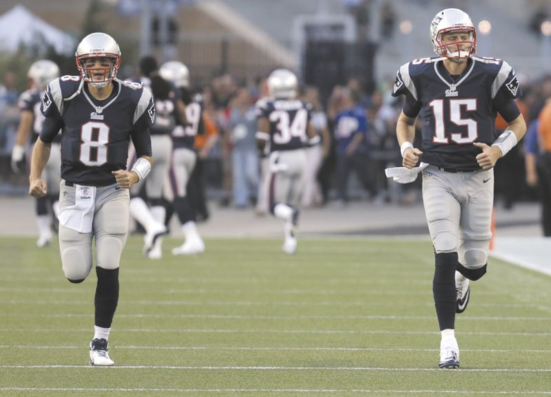 FIGHTING TO BACK UP BRADY: New England Patriots quarterbacks Brian Hoyer, left, and Ryan Mallett both saw significant time in the Patriots' 27-17 preseason loss to the Philadelphia Eagles on Monday. Hoyer was 5 for 17 for 55 yards and was sacked twice, while Mallett was 10 for 20 for 105 yards and a touchdown.