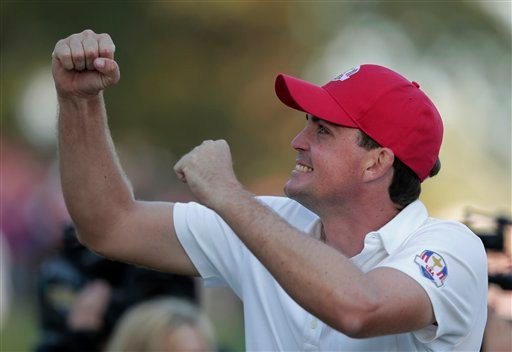USA's Keegan Bradley reacts on the 17th hole after winning a four-ball match 2&1 at the Ryder Cup PGA golf tournament Friday, Sept. 28, 2012, at the Medinah Country Club in Medinah, Ill. (AP Photo/Charlie Riedel)
