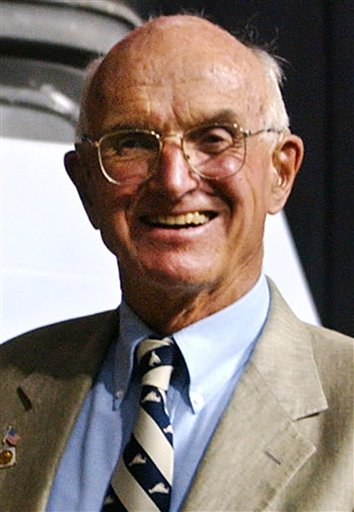A 2004 photo of Dr. Joseph E. Murray, who shared the Nobel Prize in Physiology or Medicine in 1990.