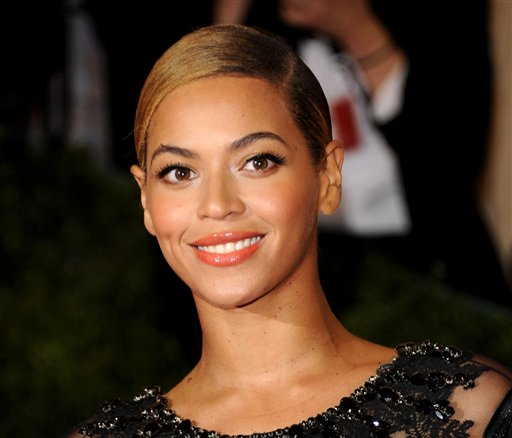 """Beyonce will sing the national anthem at President Barack Obama's inauguration ceremony. The committee planning the Jan. 21 event also announced that Kelly Clarkson will perform """"My Country `Tis of Thee"""" and James Taylor will sing """"America the Beautiful"""" at the swearing-in ceremony on the Capitol's west front."""