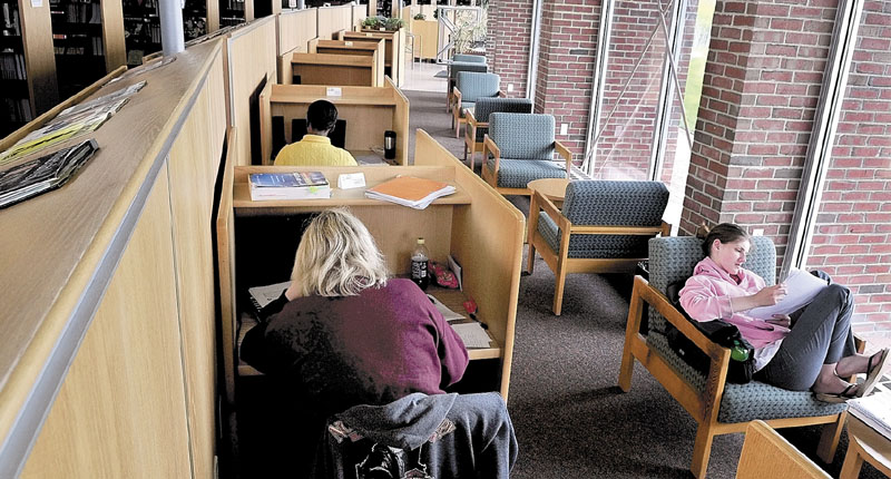 Kennebec Valley Community College students study in Lunder Library.