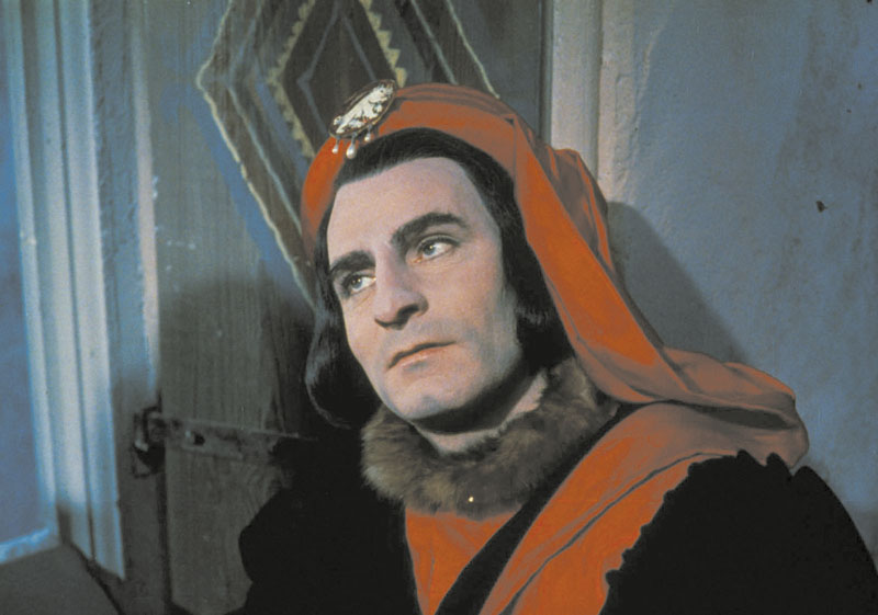 """Laurence Olivier in the title role of 1956's """"Richard III."""""""