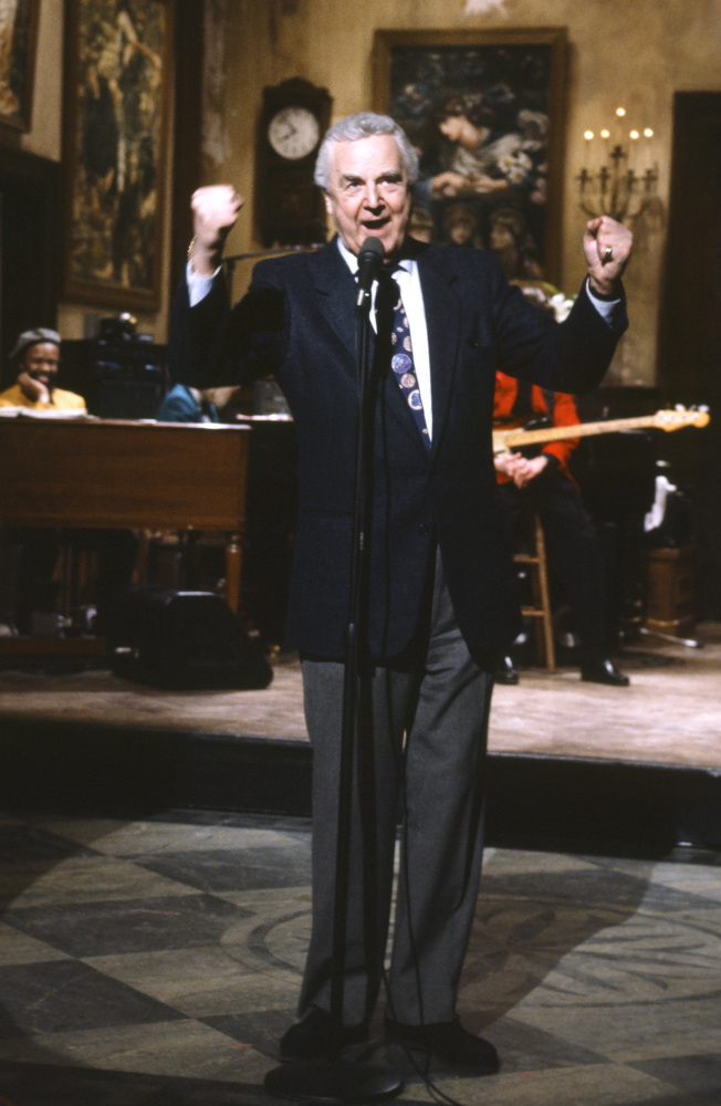 """This March 14, 1992 photo provided by NBC shows announcer Don Pardo on the set of """"Saturday Night Live."""""""