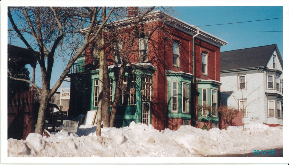 A 2002 view of the house at 147 Congress St.