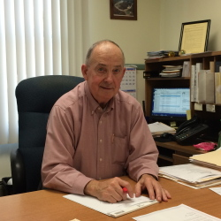Madison Town Manager Dana Berry announced his retirement, effective Dec. 31, on Tuesday, but selectmen have decided his last day will be Friday.