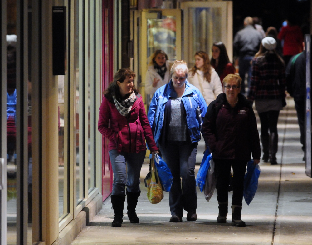 Black Friday shoppers descend on Augusta, Waterville area stores ...