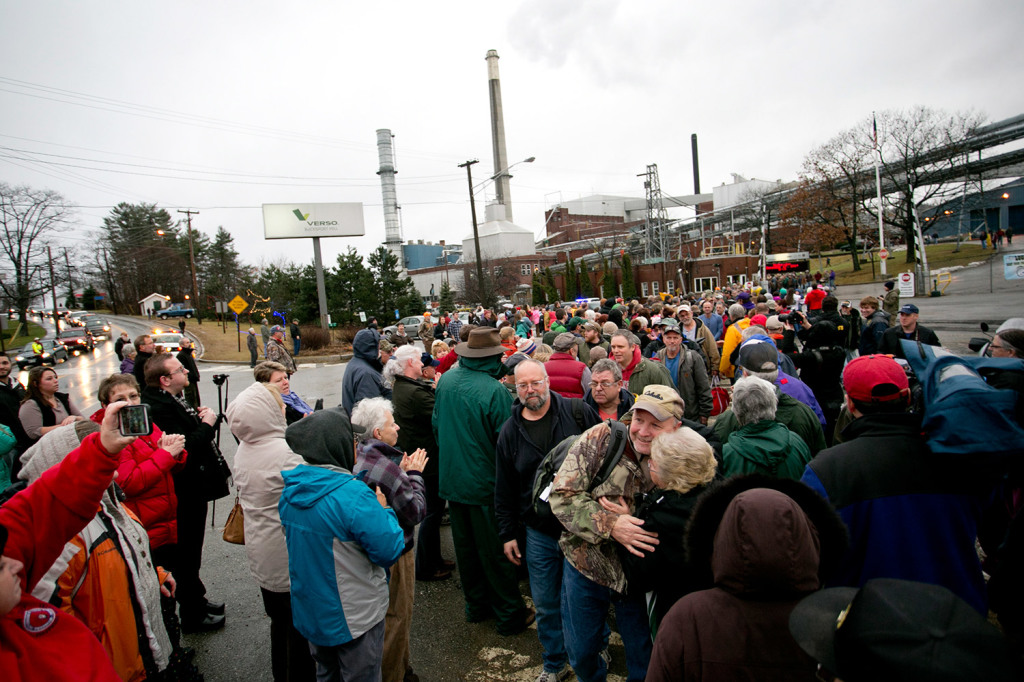 Workers leaving the Verso Paper mill are greeted by hundreds of community members as their final shift ends Wednesday. The paper machines shut down a couple of weeks ago and the mill has been silent as workers have cleaned it and prepared it for a sale. Parent company Verso Paper has a deal to sell the plant for $60 million to American Iron & Metal.