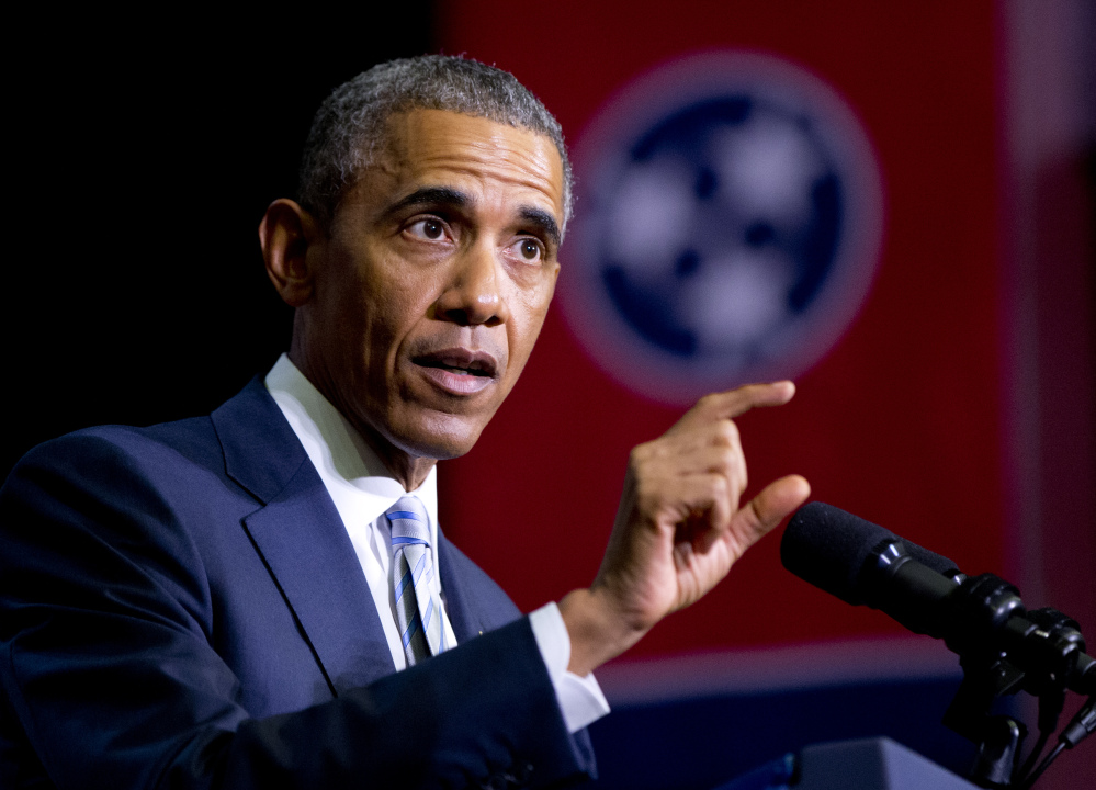 President Barack Obama speaks at Pellissippi State Community College, Knoxville, Tenn., on Friday, about new initiatives to help more Americans go to college and get the skills they need to succeed. (AP photo)
