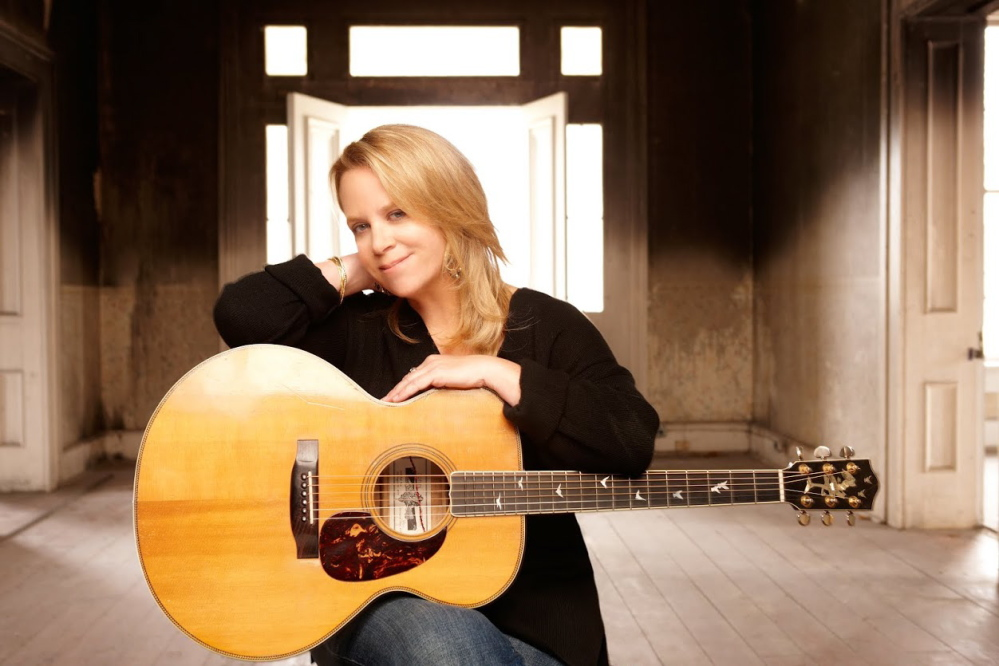 Five-time Grammy winner Mary Chapin Carpenter will perform at the Waterville Opera House as part of a collaboration between Waterville promoter Erik Thomas and Portland's State Theatre.