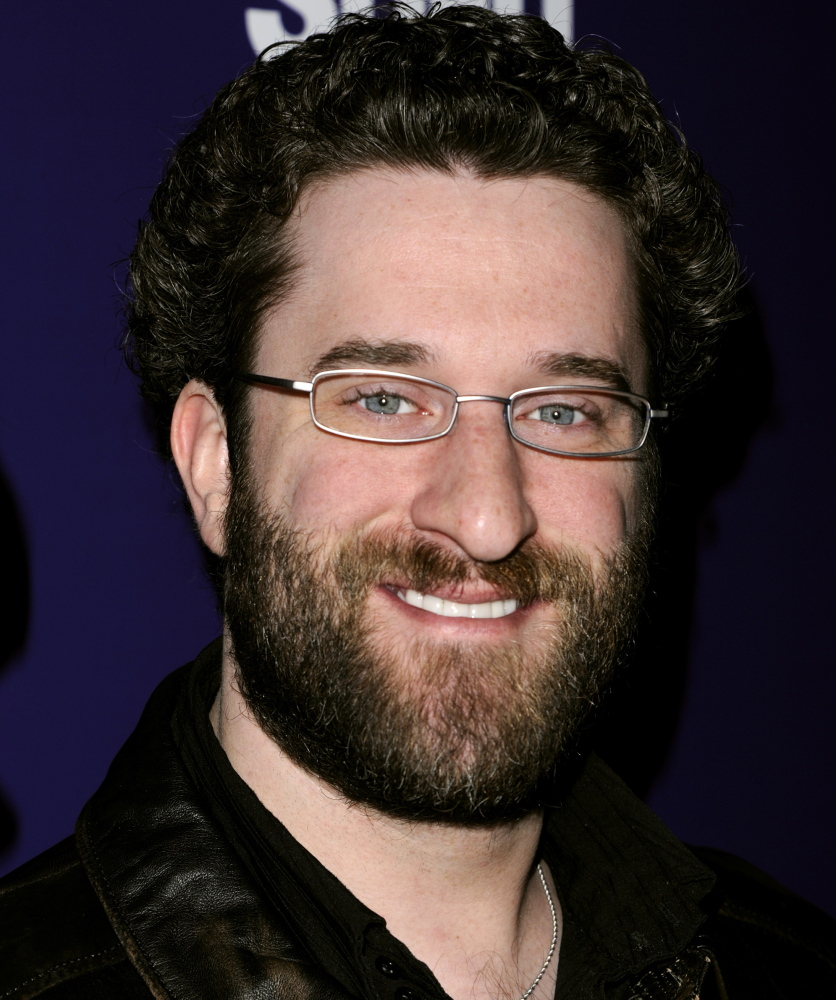 No one saw Dustin Diamond stab a man during a bar brawl, but the judge rules there is enough evidence for the case to go to trial. The Associated Press