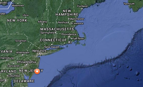 Red and white dot on this OCEARCH.org map marks Mary Lee's location Friday morning.
