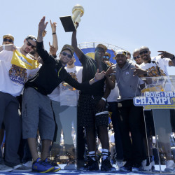 A basketball signed by members of the Golden State Warriors, who recently won the NBA championship, will be auctioned off in Wayne as part of the annual Wayne Community Church fundraiser.