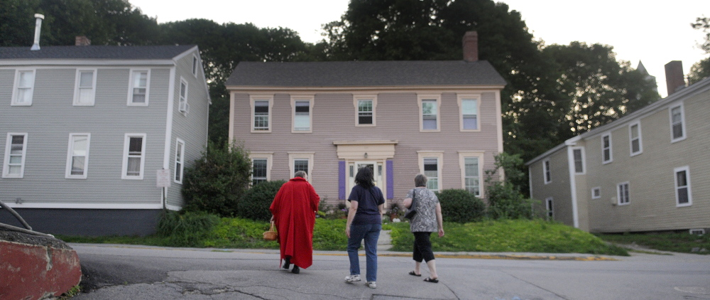 Hallowell's haunted history highlighted on candlelight tour