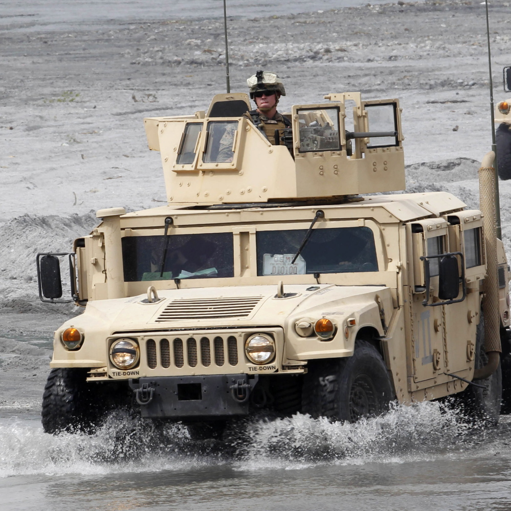 The Army is taking bids for the war vehicle to replace the Humvee, veteran of the wars of the last 24 years.