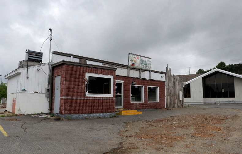 Former waterville weathervane luciens car wash sites may be the weathervane restaurant and a former car wash and arborist building on kennedy memorial drive solutioingenieria Gallery