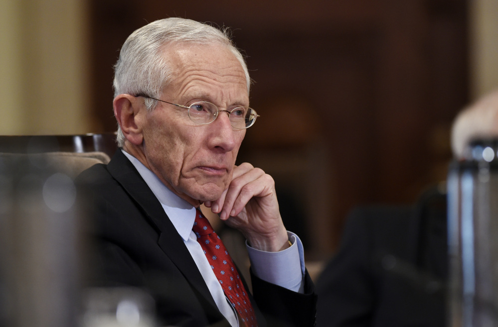 Federal Reserve Vice Chairman Stanley Fischer says that incoming economic data and market developments will likely determine whether the Fed boosts interest rates in September.